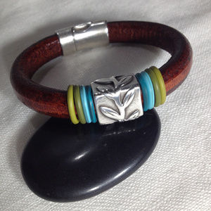 Jewelry - Brown Leather Silver Leaf Bracelet Magnetic Clasp